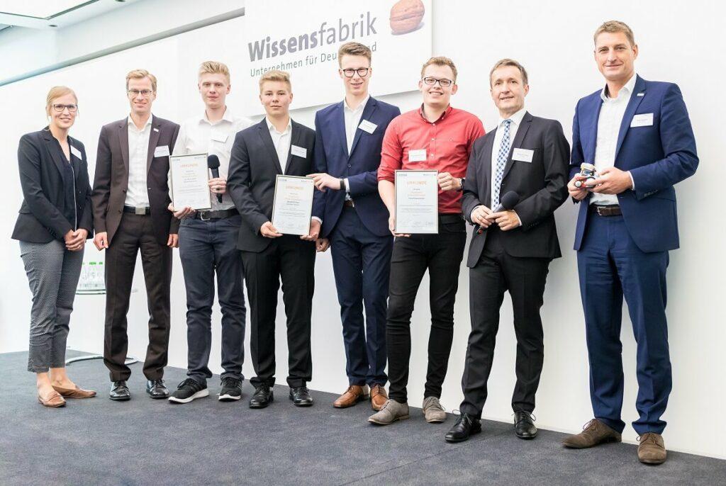Gruppenbild der Finalisten für den Hauptpreis Unternehmertum