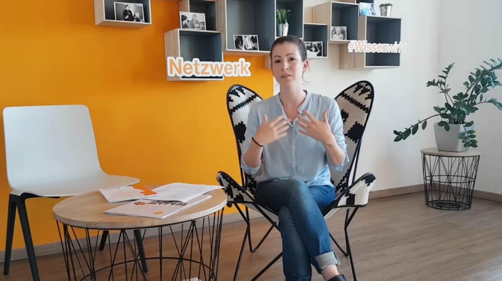 Julia Frensch beantwortet Fragen zu den Projekten für Start-ups